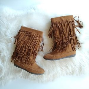 Rampage • brown fringed boots